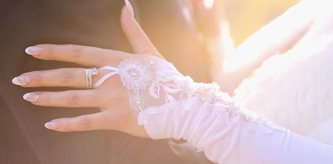 Esküvői videó Szeged, kéz